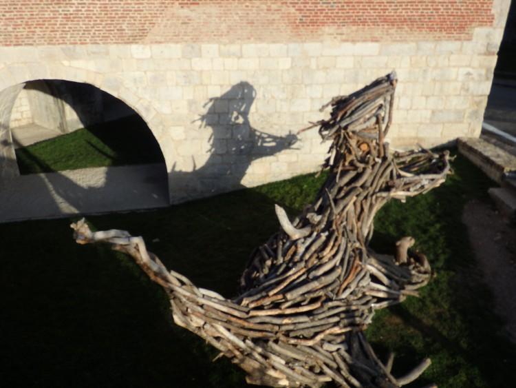 sculpture -assemblage de bois flottés.