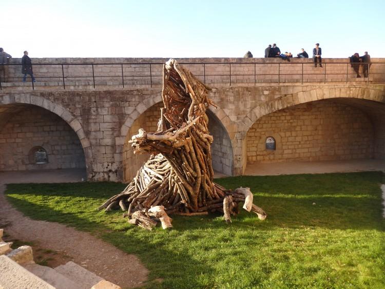 La Vuivre de bois flotté dans le fort de Besançon