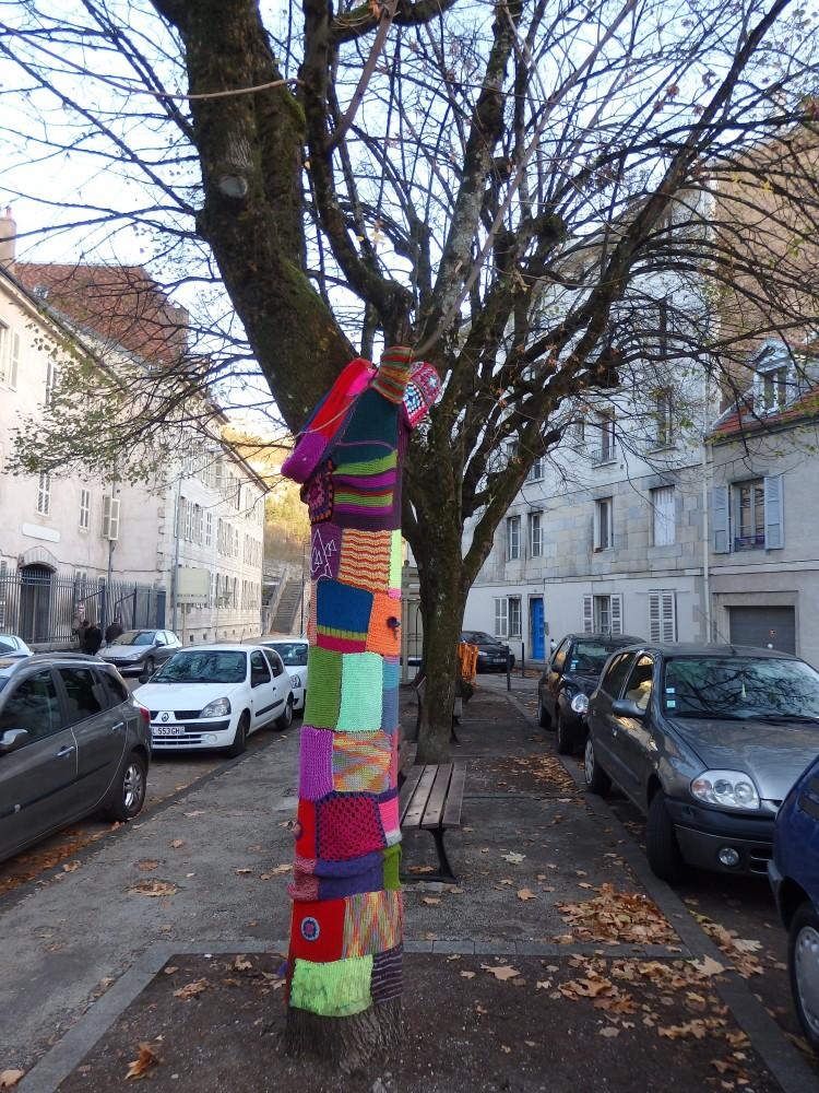 Des couleurs qui réchauffent sur la place du Jura à Besançon